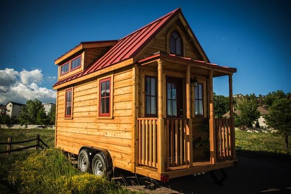 tumbleweed-elm-18-overlook-117-sq-ft-tiny-house-on-wheels-002
