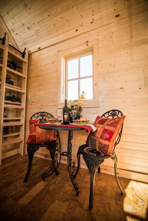 tumbleweed-elm-18-overlook-117-sq-ft-tiny-house-on-wheels-007