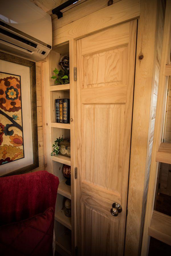tumbleweed-elm-18-overlook-117-sq-ft-tiny-house-on-wheels-009