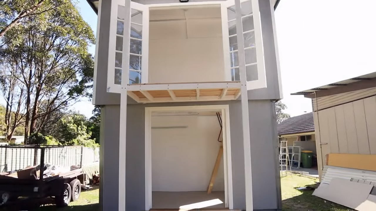Two Story Pop Up Tiny House 007