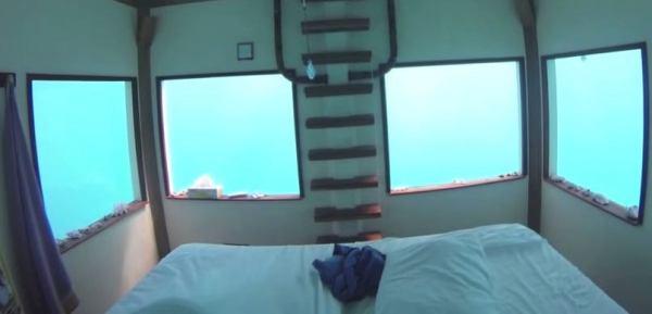 underwater-tiny-floating-house-04