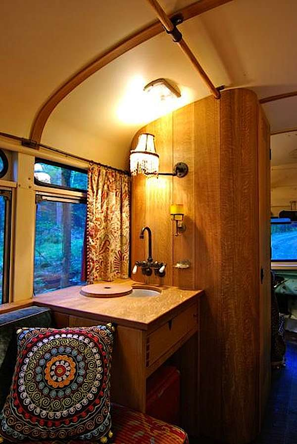 viking-short-bus-conversion-turned-to-cabin-on-wheels-by-winkarch-007