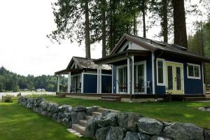 Wildwood Lakefront Tiny Cottage Community