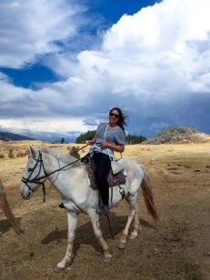 one-day-in-cusco-itinerary-horseback-to-sacsaywaman-alpacas-street-food-32