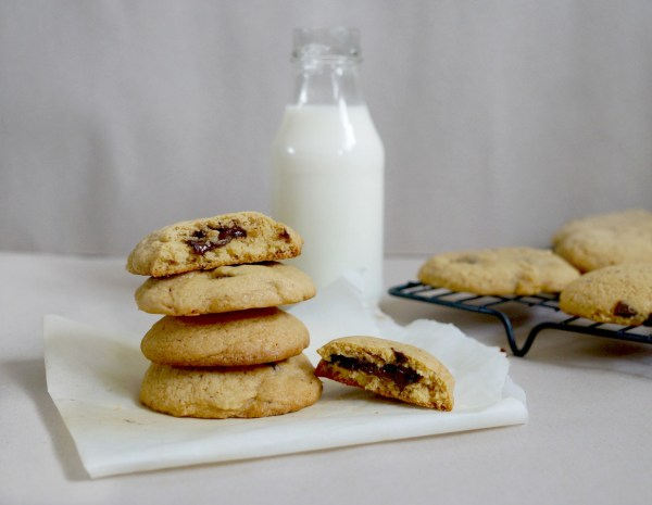 vegan choc chunk cookies