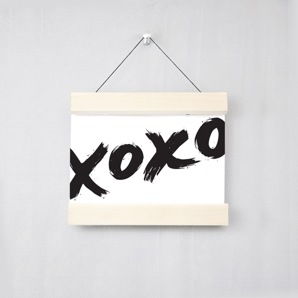Poster that says 'xoxo'