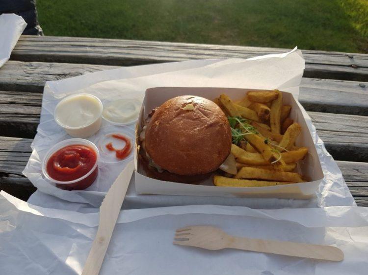 Te Araroa Burger Takapuna Beach cafe
