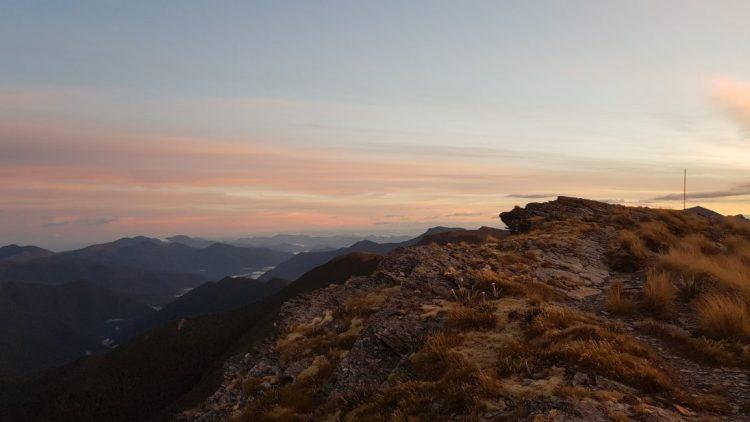 On the ridge before Old Man hut