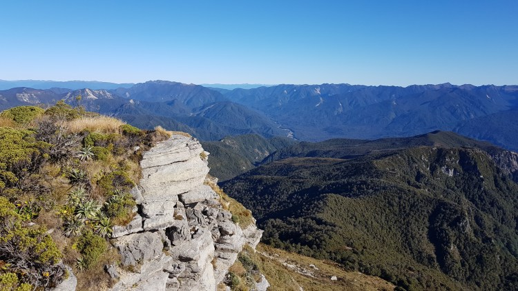 Looking over the Western rim of 100 Acre Plateau