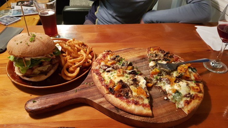 Delicious burger and pizza at the Sprig in Mot
