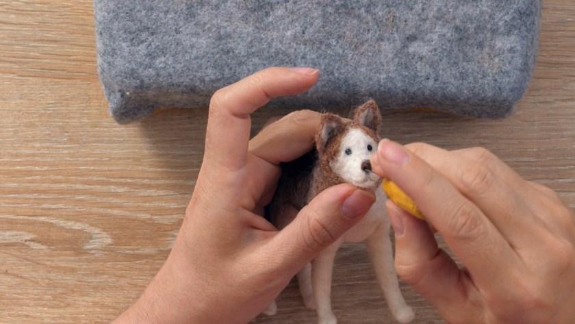 Needle felting animal class domestika