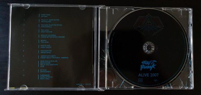 Daft Punk Alive 2007 album inside CD