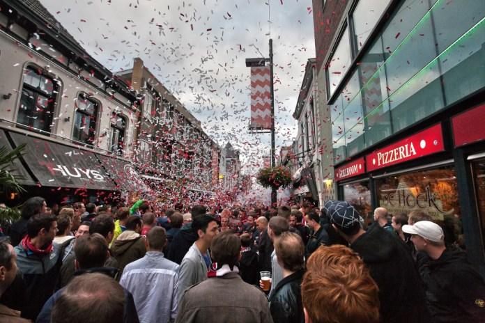 Feestje op Stratumseind vooraf aan PSV-Manchester