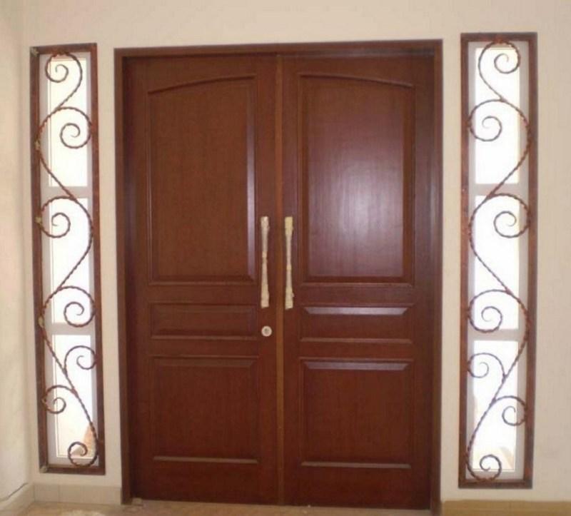 Model pintu dengan hiasan teralis