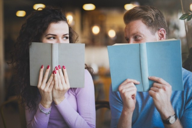 7 Things To Know Before Dating An Extrovert