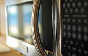 Keep Your Microwave Looking New With These Cleaning Tips