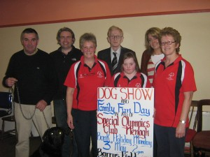 Pictured are some of the volunteers, who are organising this year's show: (l-r) Jim Barry, Barrys Pub Newtown, Padraig McSweeney, All Year Round Tree Care; Pauline Nugent, Ormond Special Olympics Club; Jim Brophy; Fiona McKennedy, Special Olympics athlete; Kerrie O'Connor Event Success; and Jean McKennedy, Ormond Special Olympics Club.