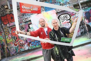 Street artist James Earley and fashion designer Helen Steele, two of the judges of this year's One4all Design a Gift Card Competition. The judging panel also includes entrepreneur Jerry Kennelly and Aoife Davey, One4all Group Marketing Manager.