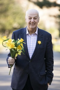 Business Guru and cancer survivor Bobby Kerr gets behind Daffodil Day and urges businesses in County Tipperary to do the same
