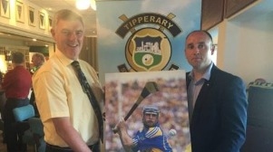 John Tierney, Chairman of the Tipperary Supporters Club presenting a special gift to Eoin Kelly, marking his appearance as Guest of Honour at the Tipperary Supporters Club Golf Classic at Edmonstown Golf Club on June 2nd last.