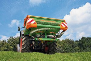 TIPP DEALERS UNVEIL FERTILISER SPREADER OFFER