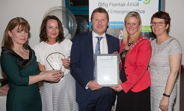 One Box Vision, Questum Accelerator Centre, Clonmel won Runner up at the 2017 National Enterprise Awards County Final Pictured left to right; Sinead Carr, Director of Services Tipperary Co Co, Deirdre O Neill, One Box Vision, Connor O' Neill, One Box Vision, Siobhan Ambrose MCC, Cathaoirleach Tipperary Co Co and Ita Horan, Local enterprise Office.