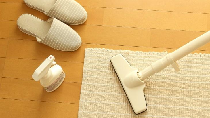 床掃除【フローリング編】床の黒ずみの原因と掃除方法を解説