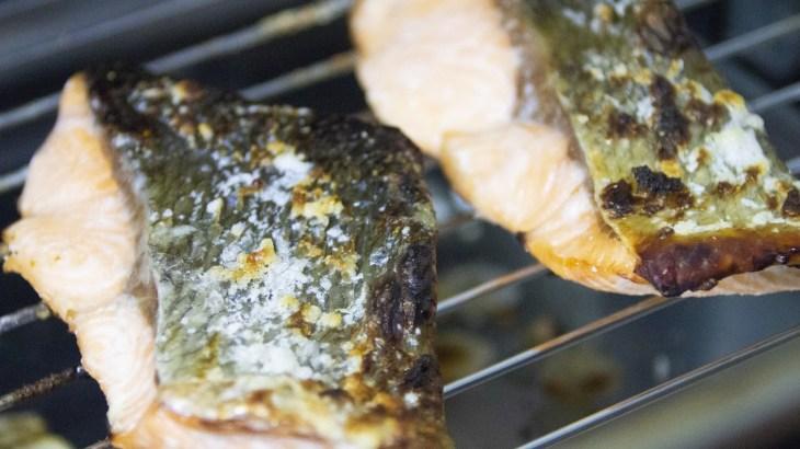 面倒な魚焼きグリルの掃除!片栗粉を使って簡単に済ませる方法