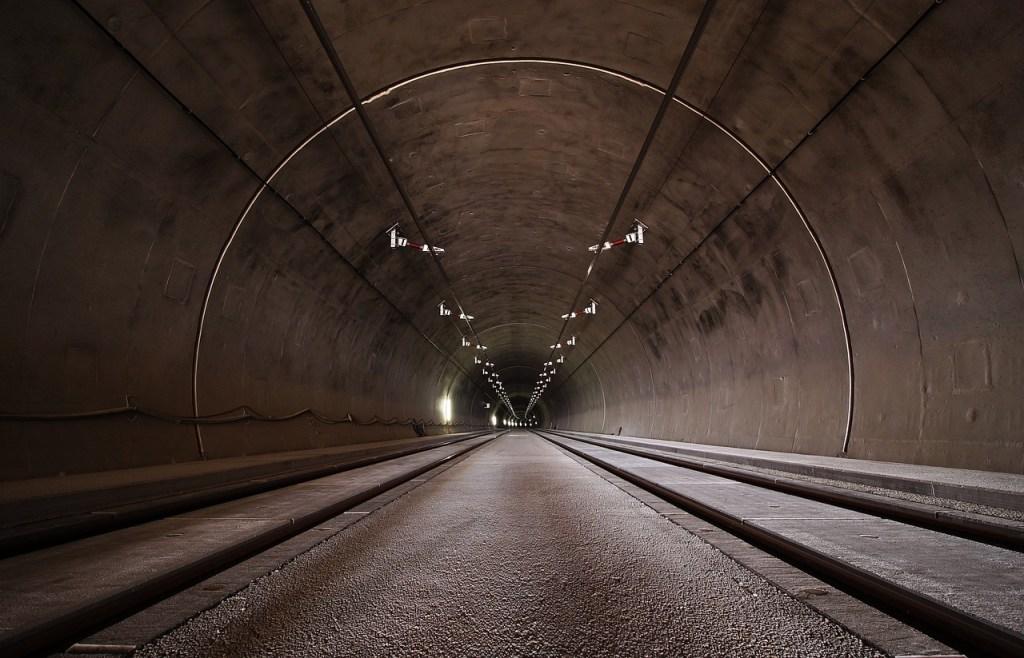 山本トンネル