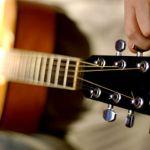 Tips Stem Gitar Menggunakan Smartphone Android