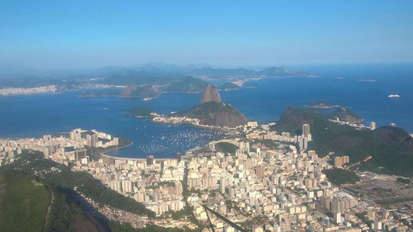 Vista sull'oceano dal Cristo Redentore di Rio de Janeiro in Brasile