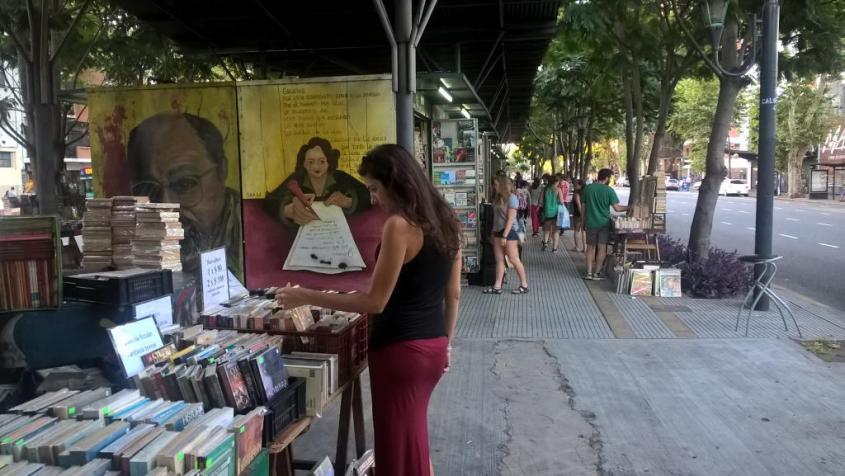 Mercatino di libri Avenida Santa Fé a Buenos Aires