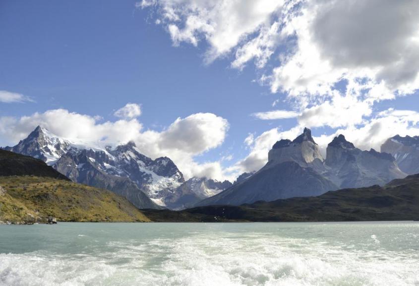 Viaggio in catamarano sul Lago Pehoé nel Parco Torres del Paine Cile