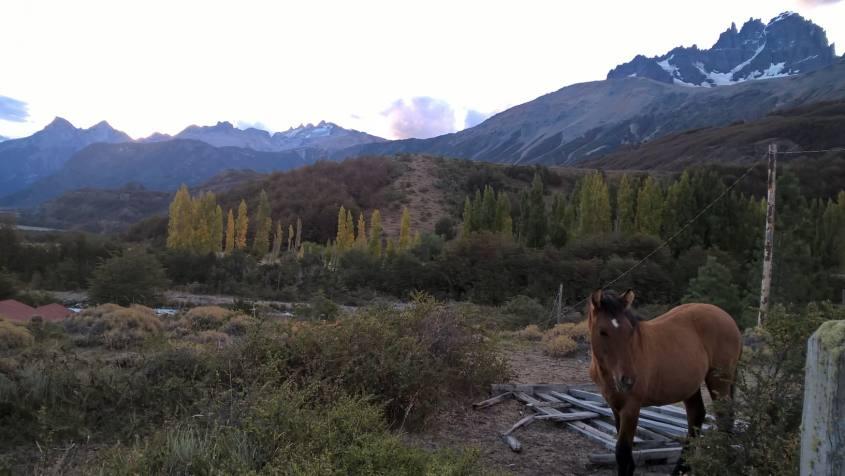 Percorso con vista sul Cerro Castillo in Cile