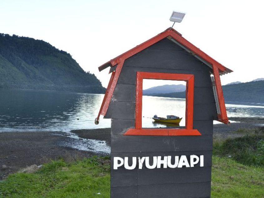 Cartello Puyuhuapi in Cile sulla Carrettera Austral