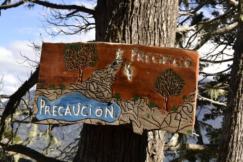 Cartello di precauzione punto panoramico Cerro Llao Llao