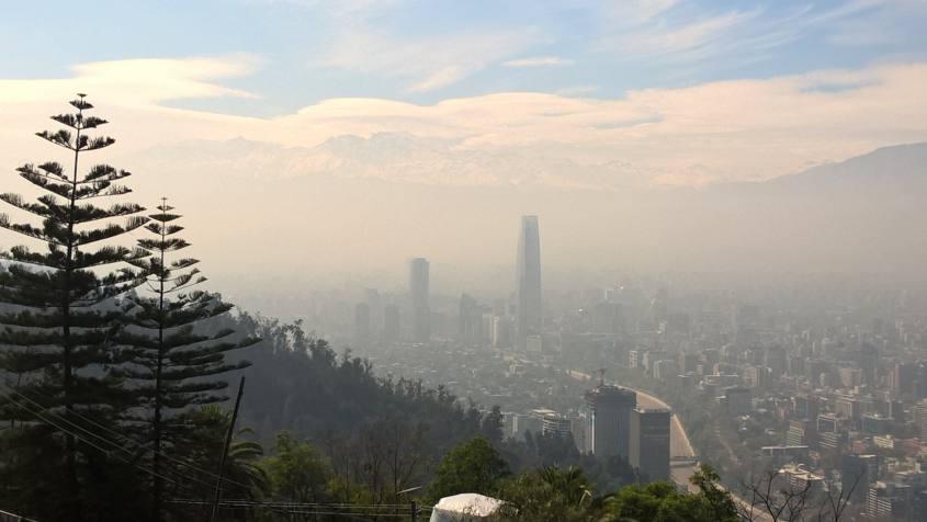 Vista panoramica di Santiago del Cile dal punto panoramico del Cerro San Cristóbal