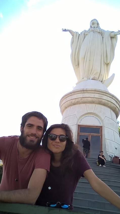 Punto panoramico Cerro San Cristobal a Santiago del Cile: statua la Vergine Maria