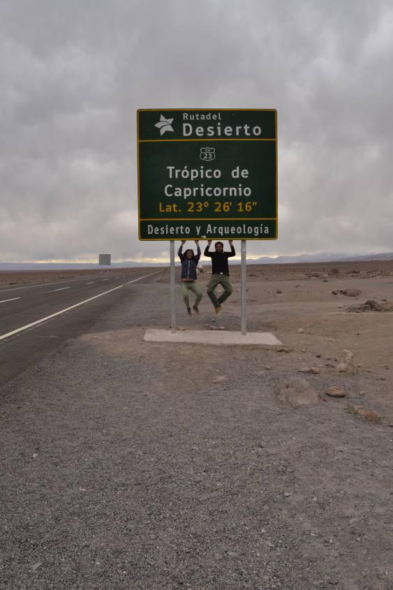 Cartello del Tropico del Capricorno nella Ruta del Desierto nel deserto di Atacama in Cile