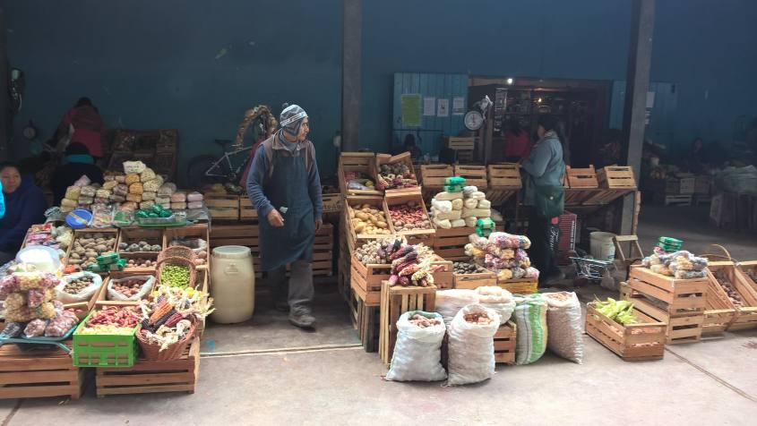 Bancarelle frutta e verdura nel Mercato Centrale di Tilcara