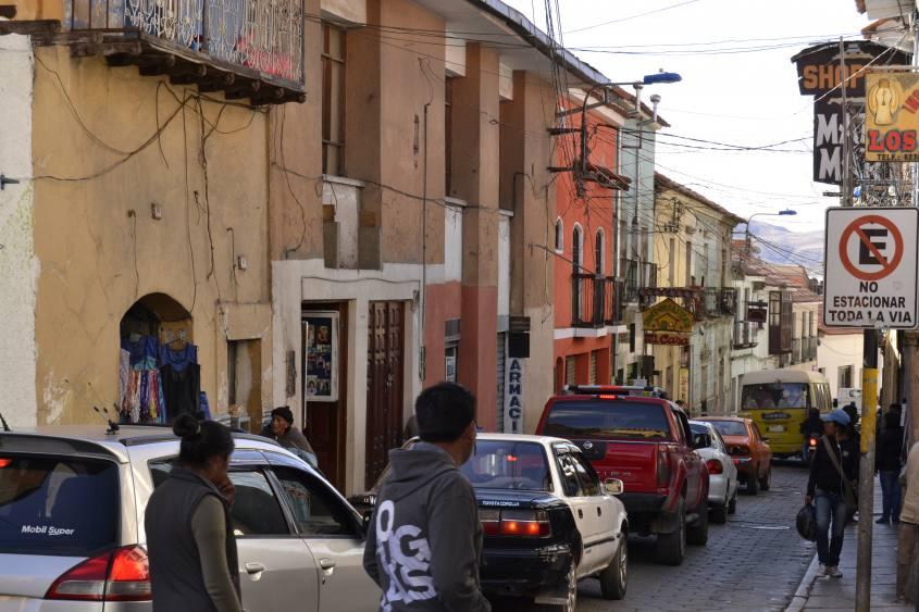 Ora di punta per le strade di Potosì in Bolivia