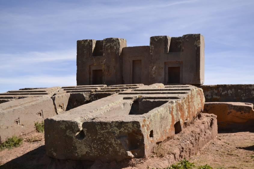 Le celebri pietra H di Puma Punku a Tiwanaku in Bolivia