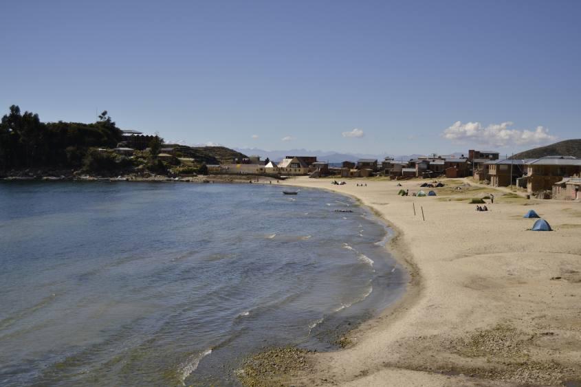 Spiaggia Las Sirenas sulla Isla del Sol nel Lago Titicaca in Bolivia
