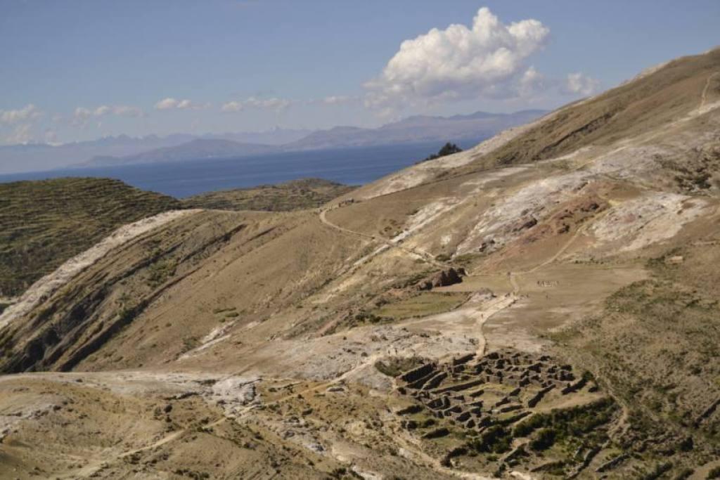 Vista Cerro Ticani Isla del Sol
