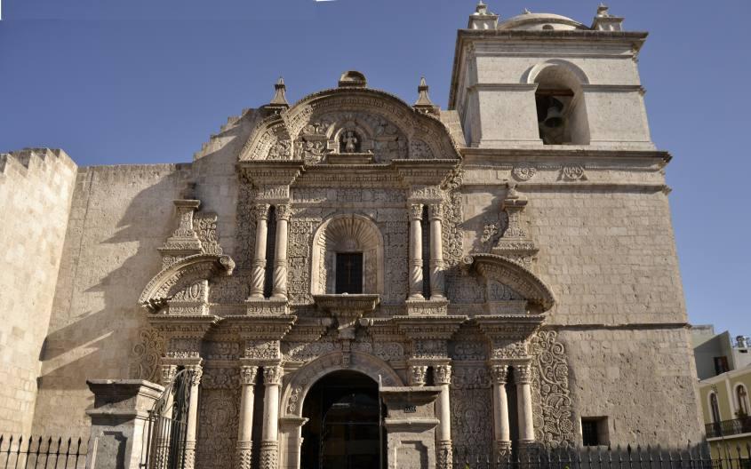 Esterno della Chiesa de la Compañia de Jesús ad Arequipa