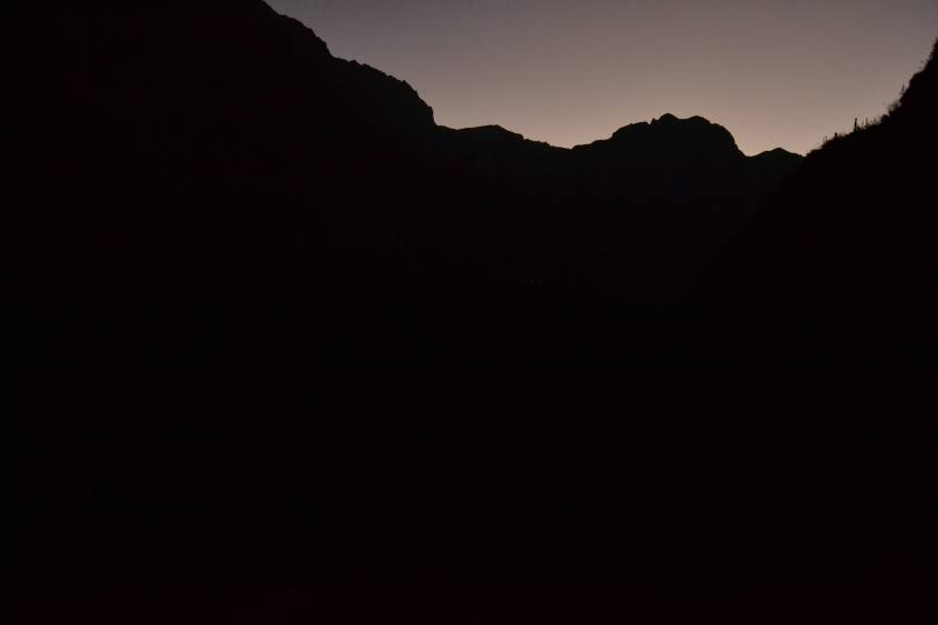 Trekking notturno all'interno del Canyon del Colca in Perù