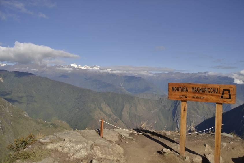Vista con panorama dalla cima della montagna Machu Picchu