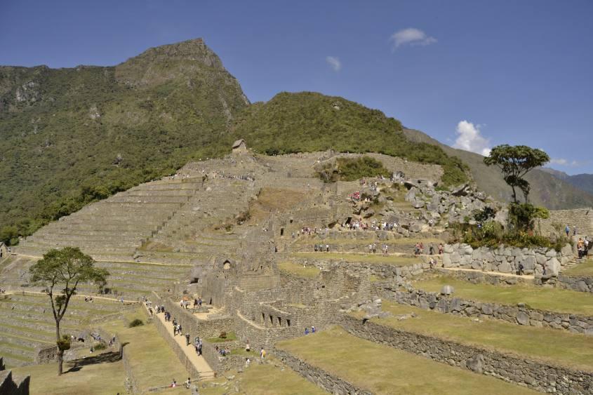 Foto panoramica dei terrazzamenti di Machu Picchu