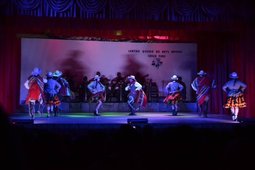 Spettacolo di balli tradizionali peruviani al Centro Qosqo di Arte Nativa di Cusco