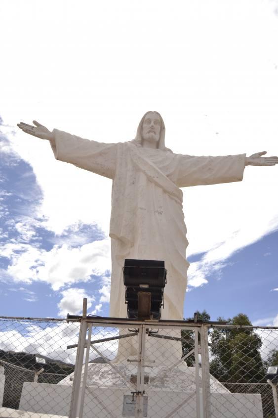 Statua del Cristo Blanco di Cusco in Perù